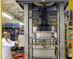 Práce na vývoji technologií pro vitrifikaci odpadu z čištění radioaktivní vody ve Fukušimě (zdroj CEA/DR).