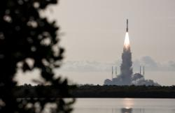 Start rakety Atlas V s vozítkem Perserevance byl úspěšný a celá sestava je na cestě k Marsu (zdroj Joel Kowsky/NASA).