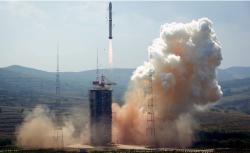 Start rakety Dlouhý pochod se sondou Queqiao.