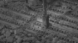Jako poslední se přemisťovaly poškozené palivové soubory (zdroj TEPCO).