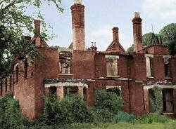 """Borley Rectory, bývalý """"nejstrašidelnější"""" dům ve Velké Británii."""