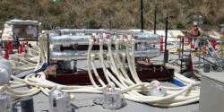 Chladící zařízení pro vytvoření ledové stěny (zdroj TEPCO).