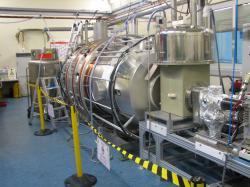 Monitorovací spektrometr experimentu KATRIN, který bude zajišťovat extrémně přesnou kalibraci je ten, se bude nejvíce opírat o práci českých fyziků (zdroj KATRIN).
