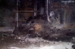Zbytky nacházející se uvnitř zničeného čtvrtého bloku (zdroj ČJE).