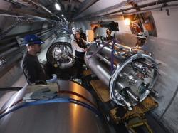 Na začátku roku 2020 se v místě experimentu ALICE instalovalo zařízení, které umožní využívat svazek s velmi vysokou luminositou (zdroj CERN).