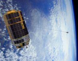Uvolnění 20 kg zátěže z plošiny HTV-6 (zdroj JAXA).