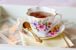 Jsou v mém šálku čaje prospěšné polyfenoly, nebo rakovinotvorné vedlejší produkty desinfekce? Kredit: Veřejná doména Pixabay/CC0
