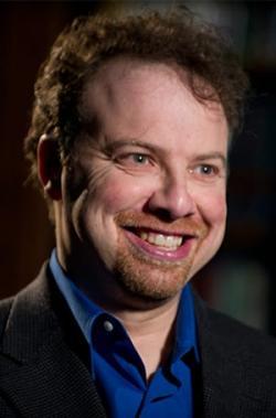 Laureát Nobelovy ceny, Adam Riess, patří mezi nejuznávanější současné astronomy. Zabývá se zejména výzkumem rozpínání vesmíru. Kredit: Johns Hopkins University