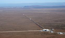 Stanice observatoře LIGO. Kredit: LIGO.