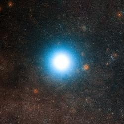Alfa Kentaura patří k nejbližším hvězdám ke Slunci. Zároveň je jednou z mála, které nejsou červenými trpaslíky. Objevily se u ní sice náznaky existence planety, ale potřebují ověření. Vůbec není vyloučeno, že u ní mohou být i planety v obyvatelné zóně. (Zdroj ESO).
