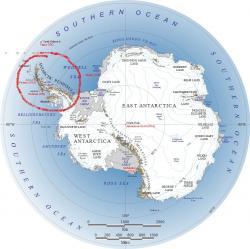 Antarktický poloostrov(Antarctic Peninsula) je označován za hlavního viníka zvyšování hladiny osceánu. (Kredit NASA)