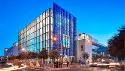 """Austin Convention Center. Zde Baleová obvinila stresované samce z """"páchání zla"""". https://www.pagethink.com/v/project-detail/Austin-Convention-Center-and-Expansion/35/"""