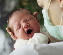 Americký zbožný rodič by s lepším osudem u svého narozeného potomka moc počítat neměl. Nejméně do jednoho roku života. A i ve stáří na tom nejspíš bude o něco hůře.