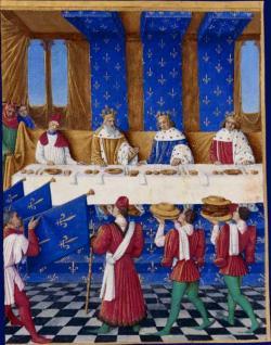 Také o tehdejších banketech máme nejspíš zkreslené představy. Na hostině, k níž v Paříži  v roce 1378 zasedli Karel pátý (uprostřed v modrém),Karel IV, římský císař (vlevo) a jeho syn král Václav, se jako hlavní chod podával chléb a placky.  Kredit: Jean Fouquet.