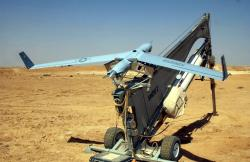 Stejně tak větší ScanEagle od Boeing. (Kredit: US Marine Corps)