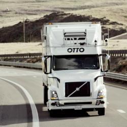 Autonomní náklaďák vakci. Kredit: Otto.