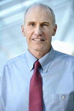 Carl H. June, imunolog, ředitel Centra buněčné imunoterapie.  Kredit: Penn.