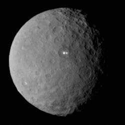 Trpasličí planeta Ceres. Kredit: NASA / JPL-Caltech / UCLA/ MPS / DLR / IDA.