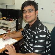 Chandrachur Chakraborty, první autor studie popisující, jak lze nahou singularitu rozlišit od černé díry.  (Kredit: TIFR)