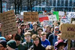 Demonstrace středoškoláků jsou v Německu zdaleka nejhojnějšími (Foto FfF Deutschland, flickr.com).