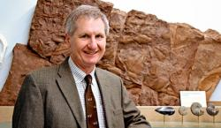 Derek E.G. Briggs, soluautor objevu nového druhu Capinatator praetermissus , Kredit: Yale News.