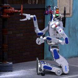 DRC-Hubo, hrdý vítěz soutěže robotických záchranářů. Kredit: DARPA.