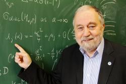 Pavel Exner obdržel Cenu Neuron za přínos světové vědě v oboru matematika. Podrobnější informace lze nalézt v informacích právě o kolegovi Exnerovi na stránkách Nadace Ceny Neuron.