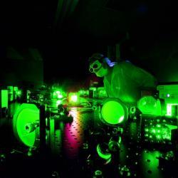 Výzkum vLaboratoři extrémního záření. Kredit: University Communication / University of Nebraska-Lincoln.