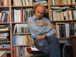 Prof.RNDr.Jaroslav Flegr,Csc., ekologaevoluční biolog na UK Praha, autor teorií zamrzlé evoluce a zamrzlé plasticity.