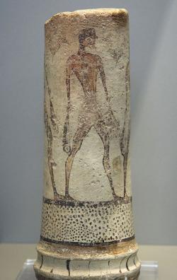 Rybář z Mélu, malba na malém sloupku. Fylakopi III/1. Národní archeologické muzeum v Athénách, N 5782. Kredit: Zde, Wikimedia Commons.