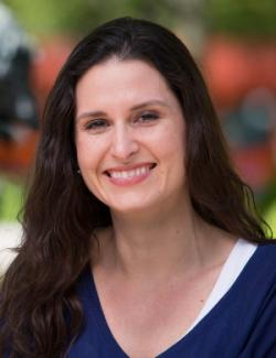 Ginny Garcia-Alexander je profesorka sociologie na Portland State University College of Liberal Arts and Sciences.