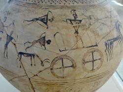 Geometrická amfora se zobrazením válečné scény, 8. století před n. l. Archeologické muzeum na Paru. Kredit: Olaf Tausch, Wikimedia Commons. Licence CC 3.0.
