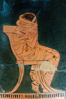 Achilleus truchlí nad Patroklovou smrtí. Atický červenofigurový pohár, 460 před n. l. Louvre, G 482. Kredit: Marie-Lan Nguyen alias Jastrow, Wikimedia Commons. Licence CC 3.0.