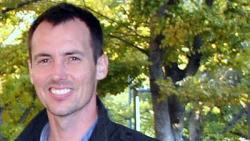 Houlton, Benjamin Z., profesor na UC Davis, ředitel John Muir Institute of the Environment, první autor studie. Kredit: UC Davis.