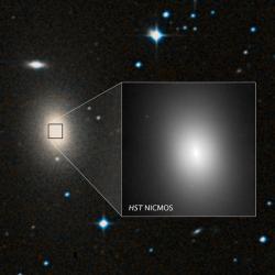 Eliptická galaxie NGC 1600. Kredit: NASA, ESA, C.-P. Ma / UC Berkeley.