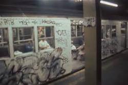 """Metro v New Yorku v osemdesiatych rokoch: obrázok z filmu """"Strait to hell"""" nepotrebuje komentár"""