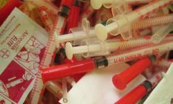 V ekonomicky  rozvinutých zemích lidé s diabetem 1. typu utrácí za zdravotní péči zhruba 2 500 dolarů ročně. Levnější inzulín a především jeho schopnost rychle reagovat na momentální potřebu organismu, by byl pro nemocné i celou společnost, značným přínosem.  (Kredit: Volné dílo.)