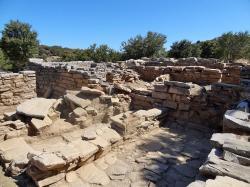 Zóminthos, poslední štace poutníků z Knóssu před cílem, 1187 m n. m. Kredit: Olaf Tausch, Wikimedia Commons.
