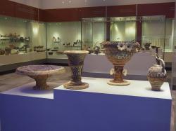Velké zdobné nádoby v kamarském stylu, z Faistu, 1850-1750 před n. l. Kredit: C messier, Wikimedia Commons.