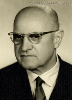 Karel Jůva, narozen 17.8.1899 v Brně, zemřel 1.11.1984 tamtéž. Prof., Ing., dr., DrSc., profesor na katedře zemědělských meliorací na Vysoké škole zemědělské v Brně. Kredit: Internetová encyklopedie města Brna.