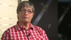 """Kathrin Altwegg, spoluautorka studie: """"Důkaz kyslíku jako starověké látky, zdiskredituje některé teoretické modely formování naší sluneční soustavy."""" (Kredit: ESA)"""