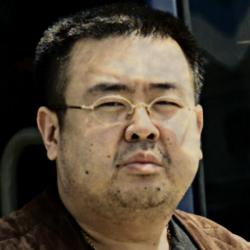 Kim Čong-nam na snímku zroku 2001. Kredit: Hyundai News / Wikimedia Commons.