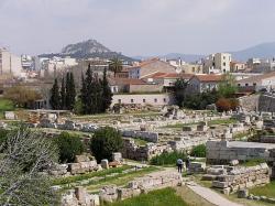 Kerameikos, blízko svaté brány panathénajských průvodů. Kredit: DerHexer, Wikimedia Commons.