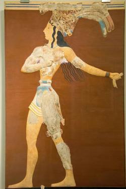 Princ s liliemi, část procesí. Velká minojská freska z královského paláce v Knóssu, kolem 1550 před n. l. Archeologické muzeum v Irakliu (Herakleion). Kredit: Zde, Wikimedia Commons.