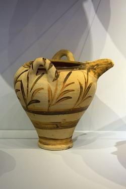 Florální styl, 1500-1450 před n. l. Archeologické muzeum v Irakliu (Herkleonu). Kredit: Zde, Wikimedia Commons.