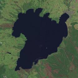 Kaldera supervulkánu vpodobě jezera Taupo, Nový Zéland. Kredit: NASA World Wind.