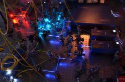 Laserový systém pro hrátky skvantovými qubity. Kredit: Christopher Monroe / University of Maryland.