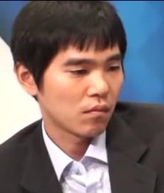 Lee Se-dol, jihokorejskýprofesionální hráčGovýkonostní třídy 9. dan. (Kredit Cyberoro ORO, Wikipedia, CC BY 3.0)