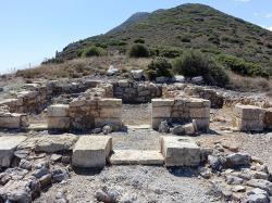 Ruiny minojského chrámu u Anemospilia na Krétě, 17. století před n. l. Kredit: Olaf Tausch, Wikimedia Commons.