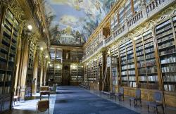 Filosofický sál Strahovského kláštera v Praze. Kredit: Jorge Royan, Wikimedia Commons . Licence CC 3.0.